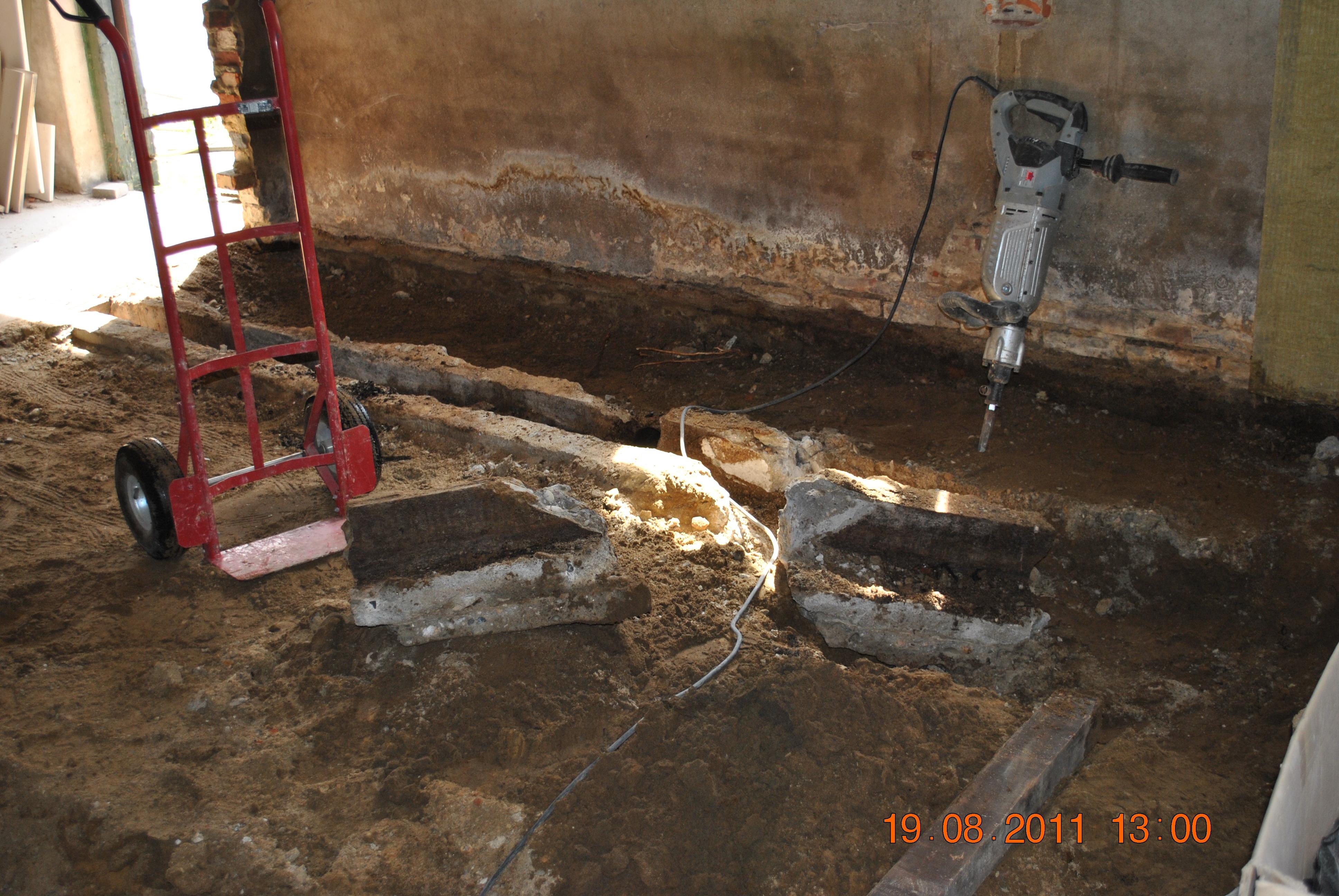 Huis muur vloer uitbreken en nieuwe vloer leggen